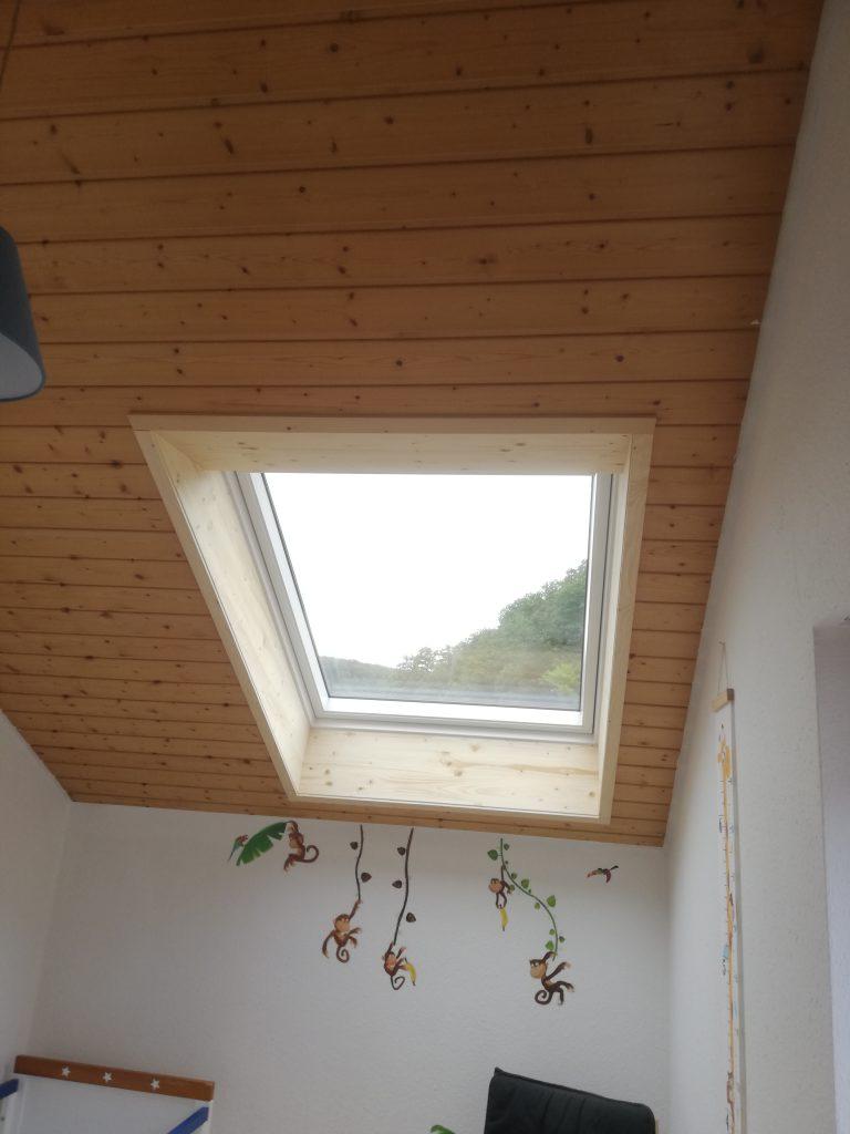 Velux Dachfenster mit speziell angefertigtem Innenfutter